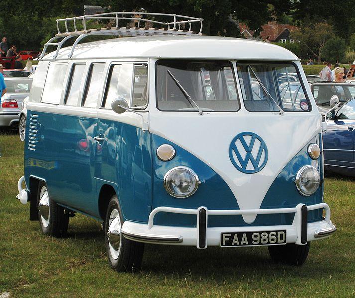 713px-Volkswagen_Typ_2_late_split_screen_version_April_1966.jpg