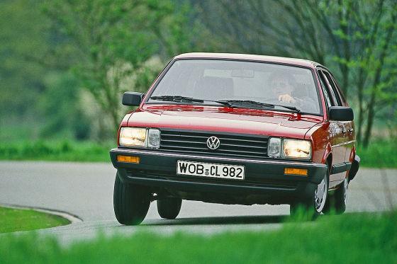 VW-Passat-Typ-32B-560x373-766bc9104bdbc32b.jpg