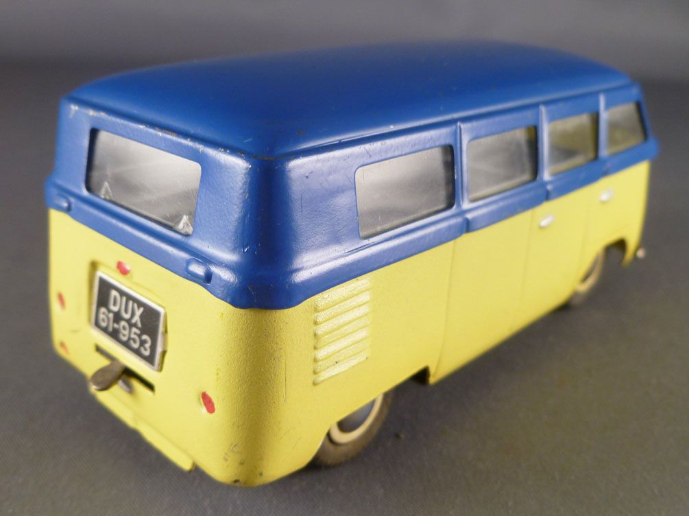 dux-61-953-vw-bus-volskwagen-t1-tin-clocwork-wind-up-p-image-369116-grande.jpg